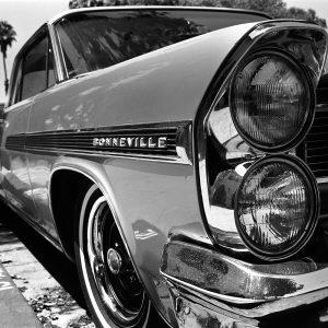 SG1562 1963 bonneville black and white car vintage vehicle