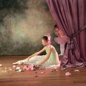 SG1744 ballet dancers children tutu scene floral roses ballerina