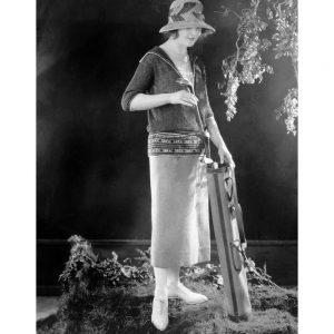 SG2122 vintage photo retro woman golfing outfit golf