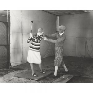 SG2124 vintage photo woman retro golf swing