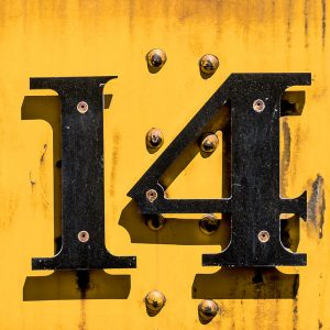 TM2952 yellow numbers train detail