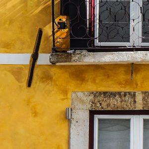 TM2958 yellow balcony detail