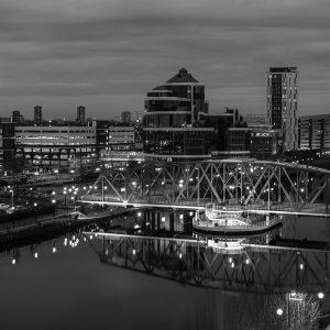 SG3896 manchester city black white