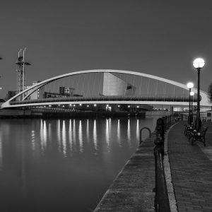 SG3898 manchester city black white